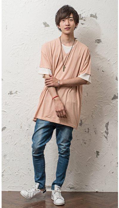 ビッグシルエットTシャツ+ジーンズ+スニーカー